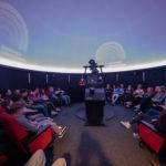 Innsiden av planetariet opplevelse besøk